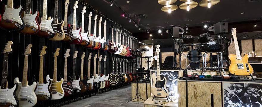 Ni Marshall ni EMG: Chilenos emprenden en equipamiento para instrumentos musicales